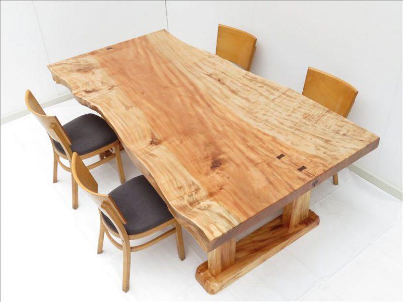 新商品発売予定! 天然木一枚板テーブル
