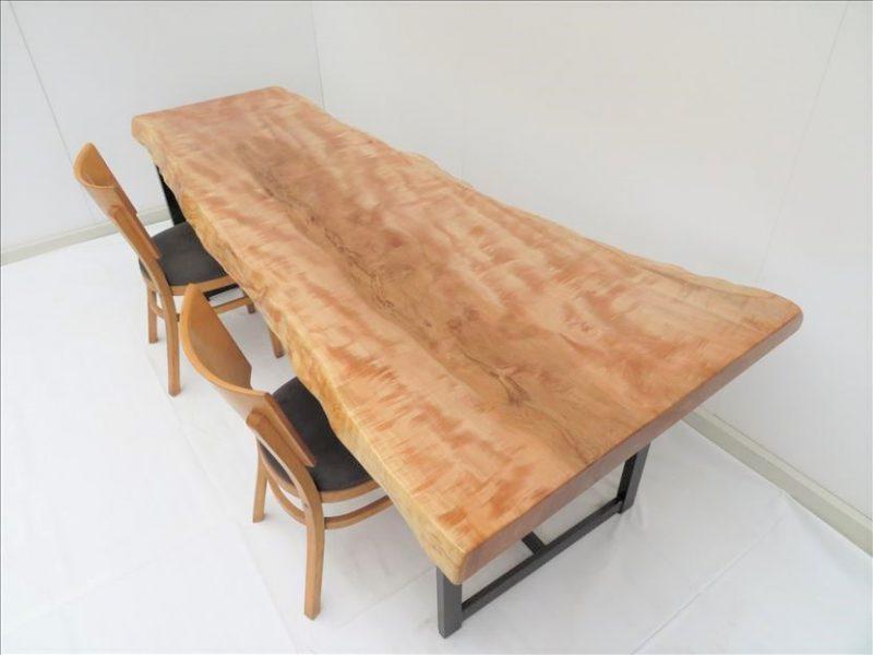 トチ 一枚板テーブル (TO-001)  売約済み
