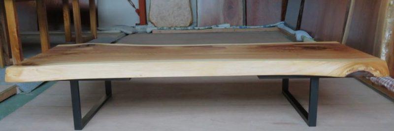 スギ 一枚板テーブル(SUO-001) 価格;180,000(円)