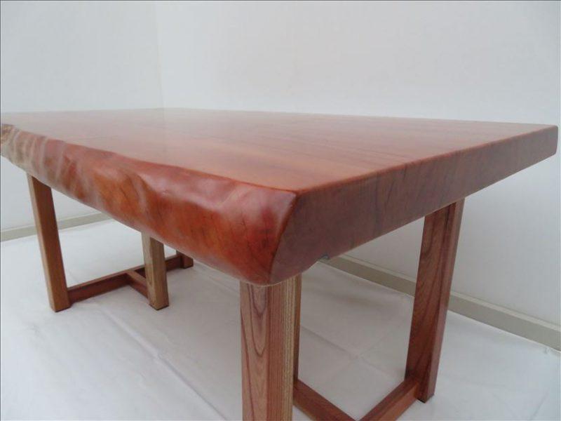 カツラ 一枚板テーブル(KT-001)  価格;300,000(円)