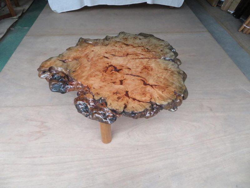 ブナ 天然木丸テーブル(KBN-001) 価格;60,000(円)