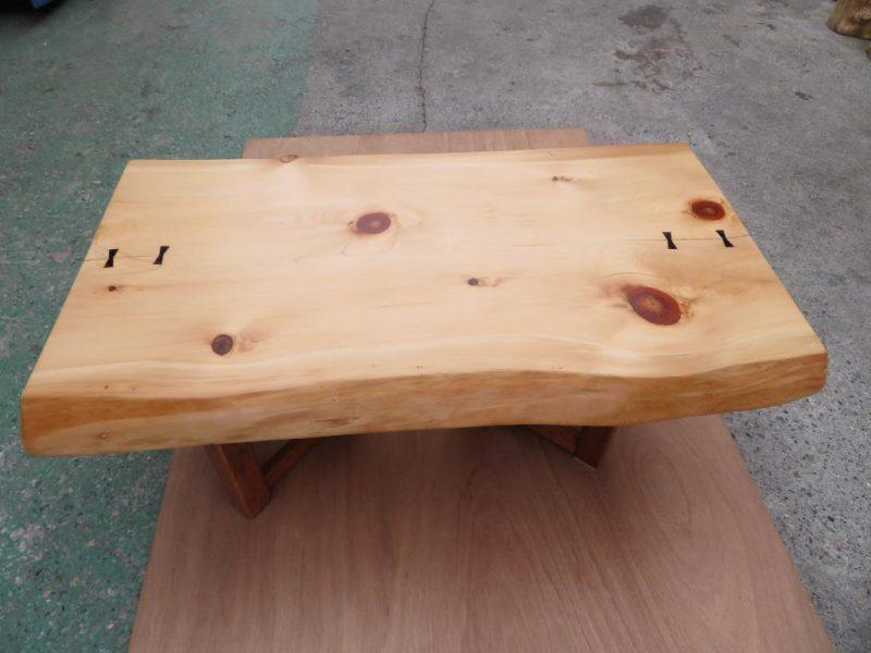 ヒノキ 天然木小テーブル(KSE-001) 価格;65,000(円)