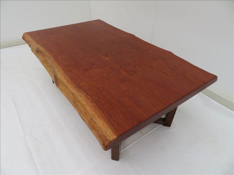 サペリ 一枚板ソファーテーブル (SA-002) 価格:140,000円