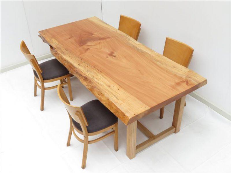 トチ 一枚板テーブル (TO-007)  売約済み